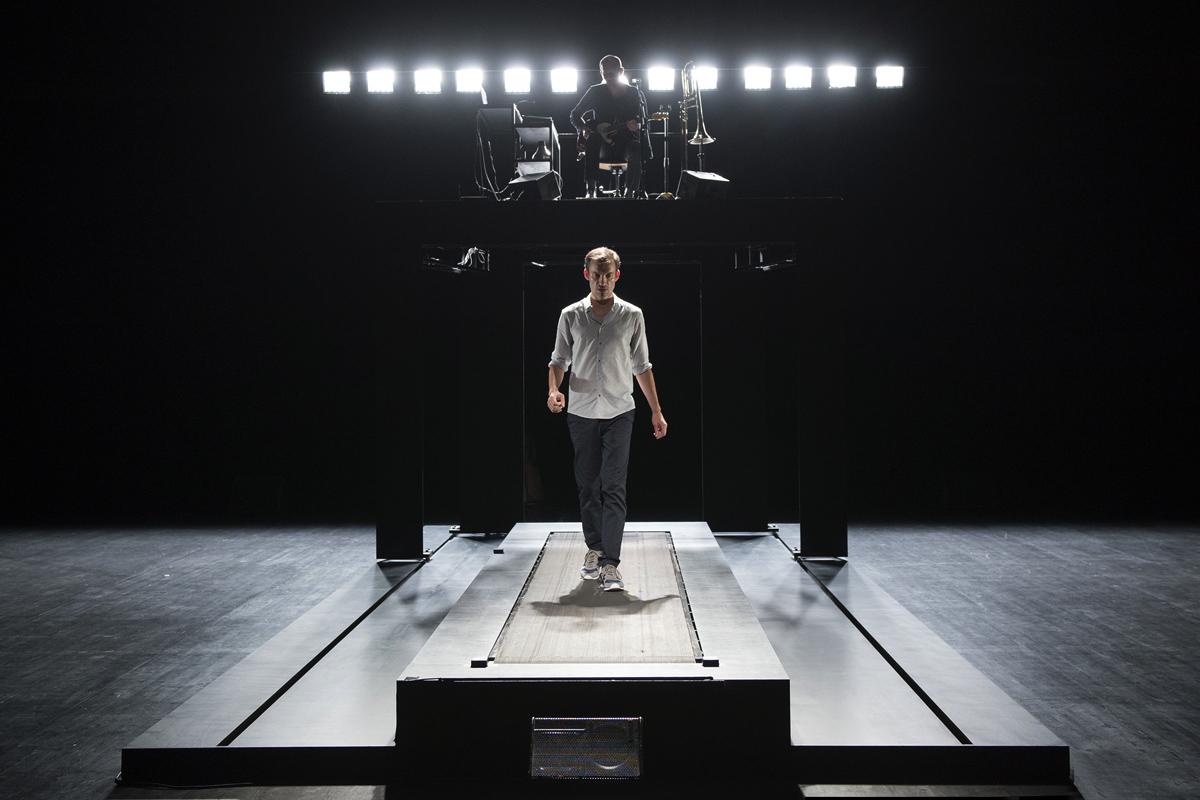 http://www.theatre-sartrouville.com/wp-content/uploads/2015/05/reparerlesvivants-2.jpg
